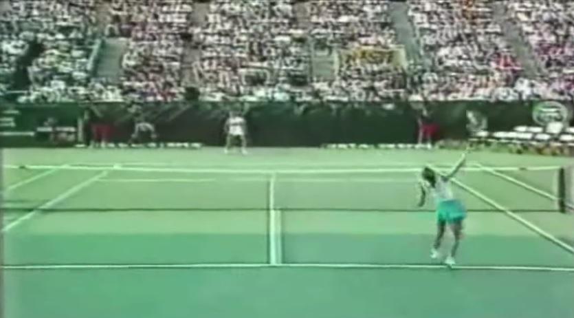 Un des plus beaux points de l'histoire du tennis féminin entre Navratilova et Evert.