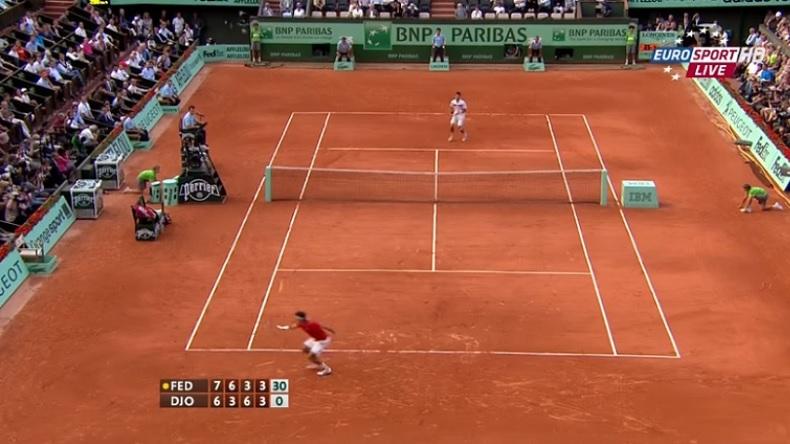 Un passing d'anthologie de Roger Federer contre Djokovic à Roland-Garros en 2011