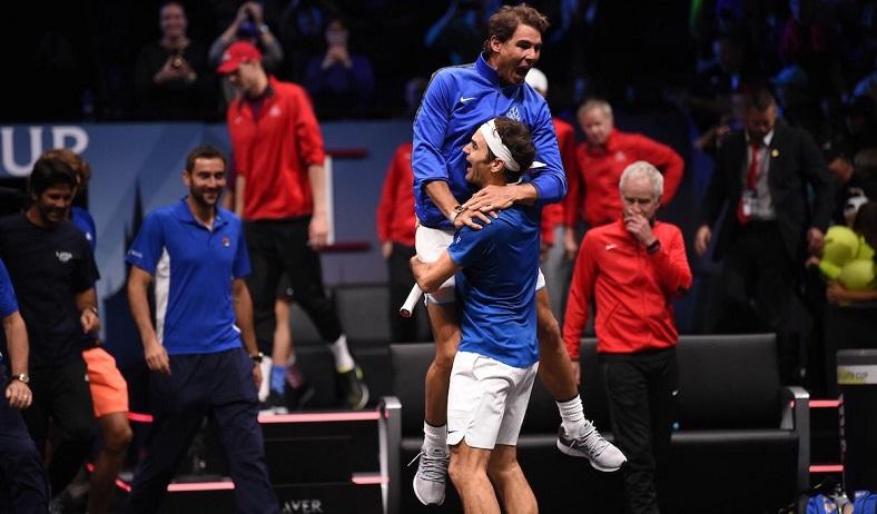 Federer offre la victoire à la Team Europe en battant Kyrgios dans un match à suspense (Laver Cup 2017)