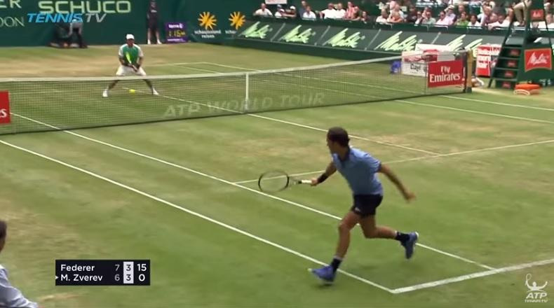 Le revers de Federer a fait mal à Mischa Zverev (Halle 2017)