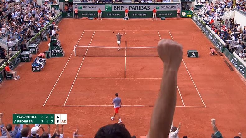 Roger Federer est de retour en demies à Roland.