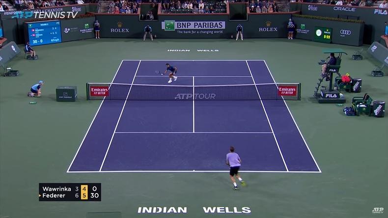 Roger Federer a inscrit des points brillants contre Stan Wawrinka à Indian Wells, notamment au filet.