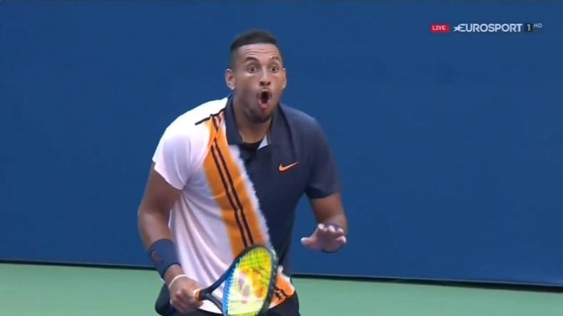 La réaction de Nick Kyrgios sur ce coup génial de Roger Federer à l'US Open 2018.