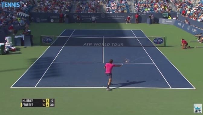 Roger Federer sort son spécial.