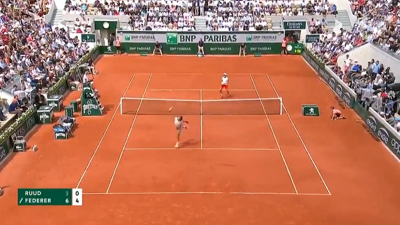 Un point superbe de Roger Federer contre Casper Ruud à Roland.