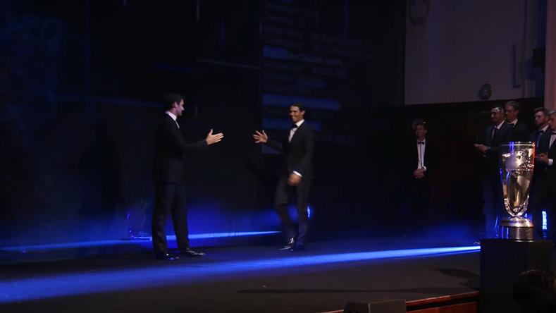Roger Federer introduit Rafael Nadal lors de la présentation des équipes de la Laver Cup 2017.