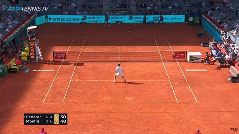 Service-volée sur deuxième pour sauver une balle de match. Roger Federer a du cran.