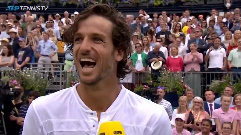 Féliciano Lopez, heureux de pouvoir enfin prouver à sa petite amie qu'il n'est pas une quiche au tennis.