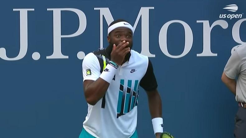 La réaction amusante de Frances Tiafoe après le point de fou qu'il vient de perdre contre Fucsovics à l'US Open.