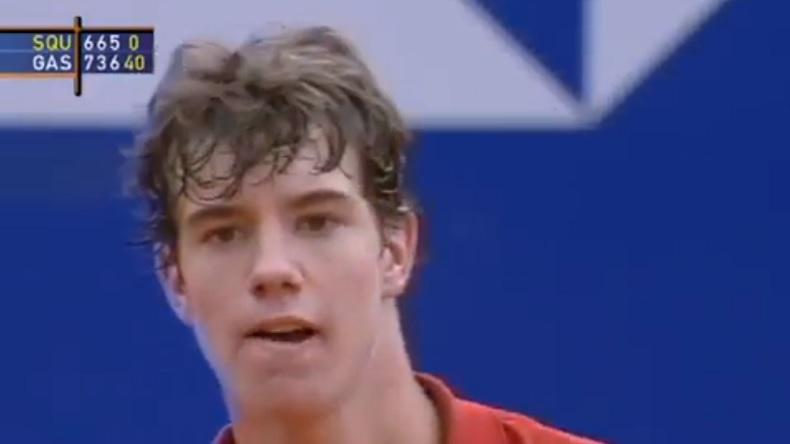 Richard Gasquet, 15 ans, entre dans l'histoire en devenant le plus jeune joueur à gagner un match en Masters 1000, à Monte-Carlo en 2002.