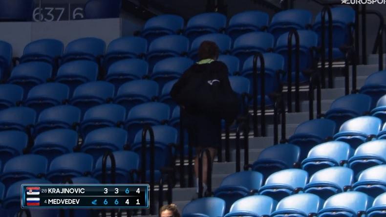 Gilles Cervara se casse, excédé par le comportement de Daniil Medvedev au troisième tour de l'Open d'Australie 2021.