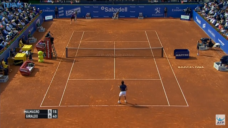 Le coup de fusil de Santiago Giraldo en retour, sur balle de set, en demi-finales du tournoi de Barcelone 2014.