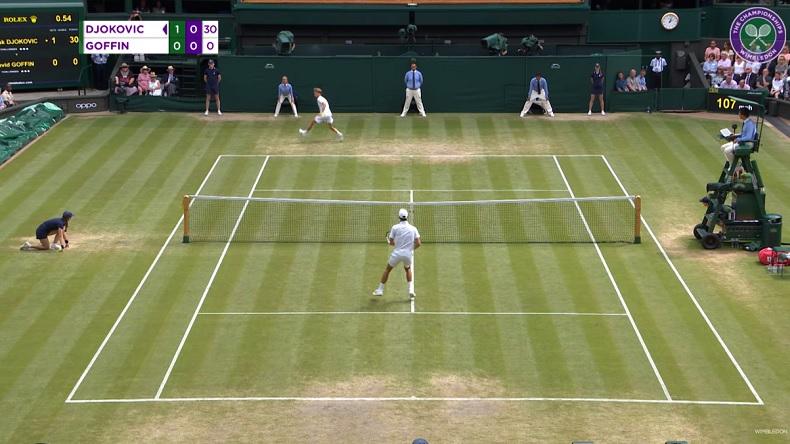Un point avec deux tweeners entre David Goffin et Novak Djokovic à Wimbledon.