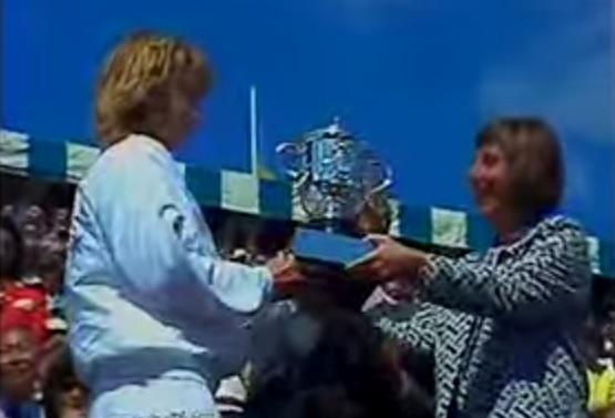 Steffi Graf remporte Roland Garros en 1988 après une finale de 34 minutes contre Natasha Zvereva.