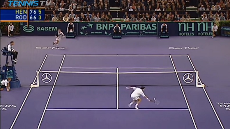 Tim Henman contre Andy Roddick. Un très beau match au Masters de Paris-Bercy 2003.