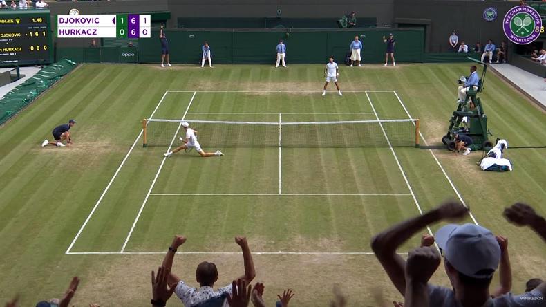 Hubert Hurkacz gagne deux points incroyables contre Djokovic à Wimbledon en l'espace de quelques minutes.