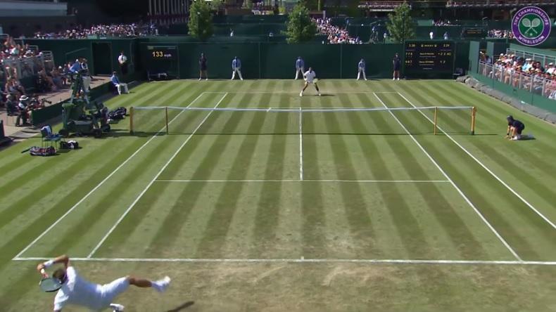 Un retour réflexe impressionnant de Denis Istomin au premier tour de Wimbledon 2018.