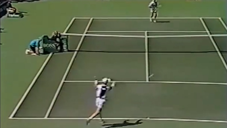 Jim Courier allume volontairement l'arbitre au tournoi de Miami 1994.