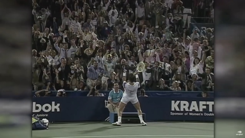 Jimmy Connors enflamme le public avec un point monumental à l'US Open 1991.
