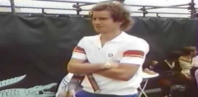 John McEnroe explique sa prise unique en toute décontraction.