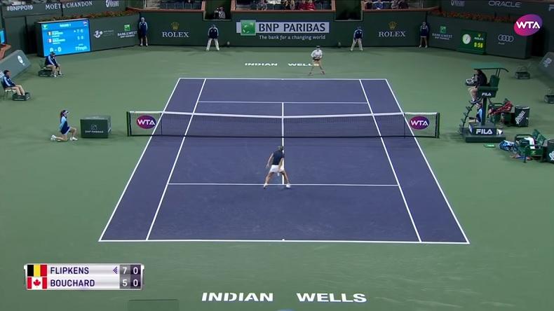 La demi-volée entre les jambes de Kirsten Flipkens à Indian Wells.