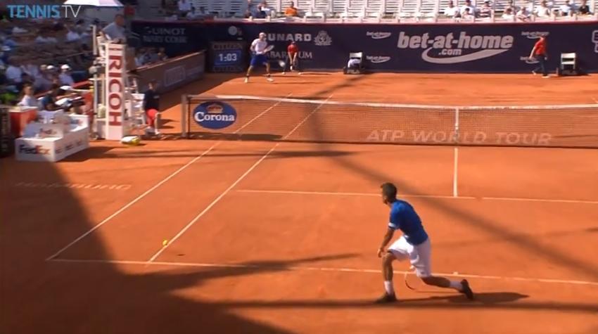 Un retour d'une précision chirurgicale de Leonardo Mayer en demi-finales du tournoi de Hambourg 2014.