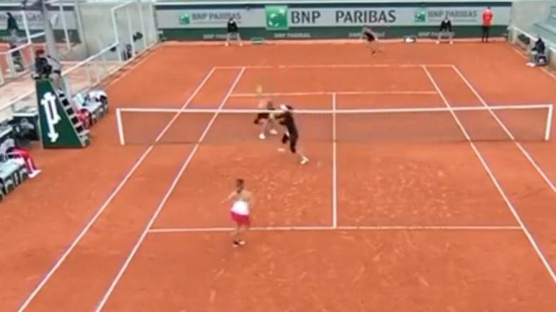 Le point miraculeux de Luisa Stefani, en double, à Roland-Garros 2020.