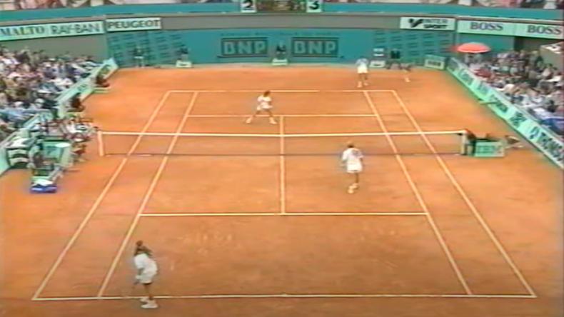 En 1993, les frères Jensen avaient remporté Roland-Garros en double. Luke s'était démarqué avec une particularité très rare : son ambidextrie.