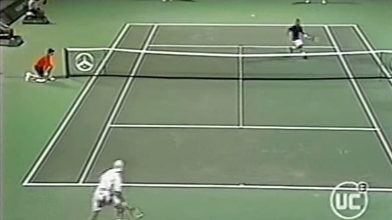 Marcelo Rios produit un tennis absolument incroyable contre Juan Ignacio Chela au tournoi de Miami 2002.