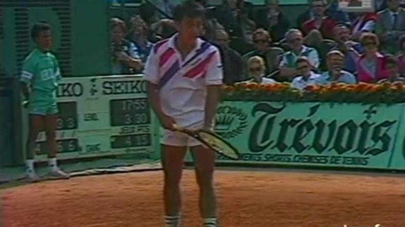 Le fameux service à la cuillère de Michael Chang contre Ivan Lendl à Roland-Garros en 1989.