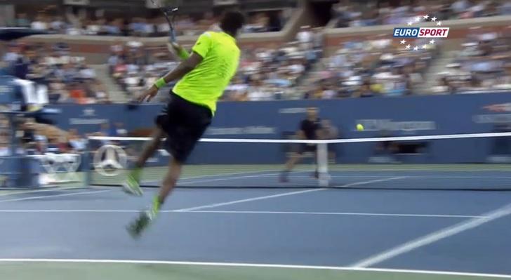 La dernière facétie de Gaël Monfils : une volée réflexe de fond de court contre Roger Federer à l'US Open 2014.