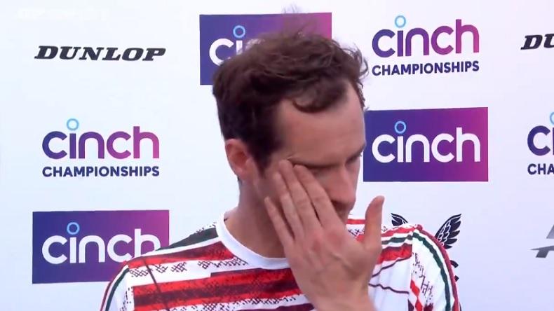 L'émotion d'Andy Murray lors de son interview, après sa victoire contre Benoît Paire, au tournoi du Queen's 2021.