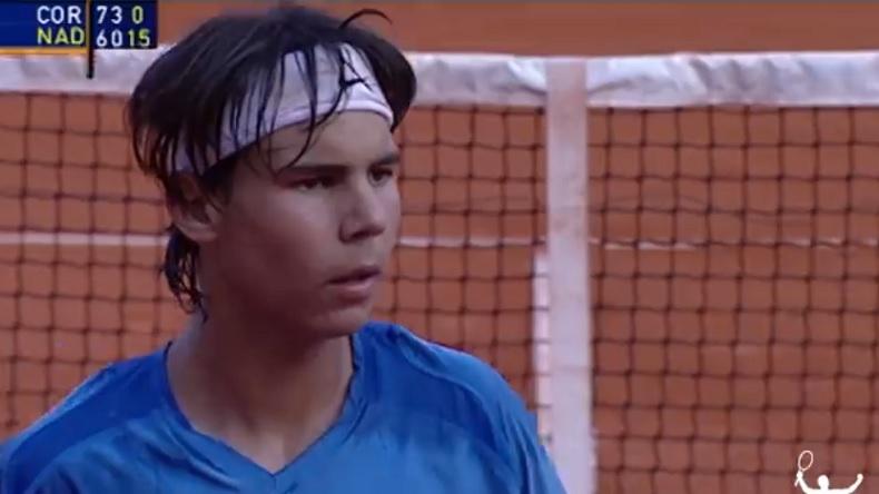 Une vidéo avec des points énormes pour fêter les 400 victoires sur terre battue du montre Rafa Nadal.