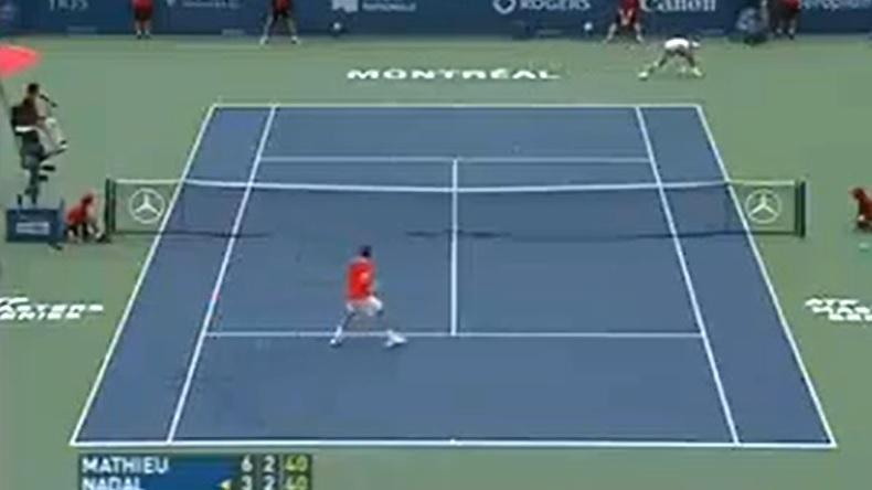 Le plus beau point du Masters Series de Montréal 2007 entre Nadal et Mathieu.