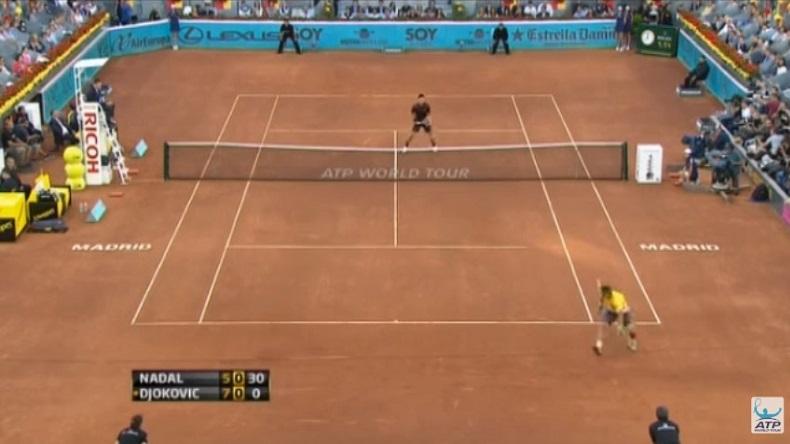 Un tweener de légende de Nadal contre Djokovic