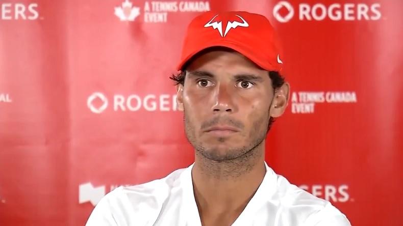Le moment où Rafael Nadal se rend compte qu'il parle à un tennix.