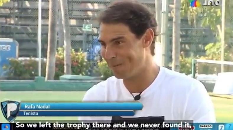 Rafael Nadal raconte comment il a perdu le trophée de son titre au tournoi d'Acapulco 2005.