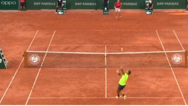 Deux points somptueux de Rafa Nadal dans son combat épique contre Djokovic à Roland-Garros 2021.