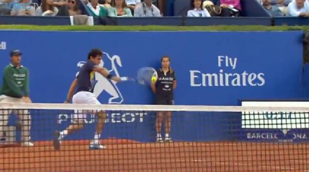 Nicolas Almagro a envoyé des mites contre Rafael Nadal au tournoi de Barcelone 2014.