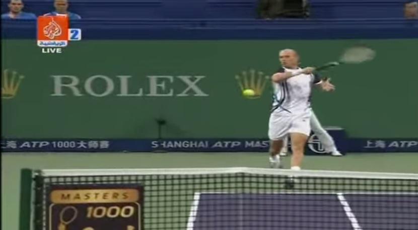 Quelques points superbes de Nikolay Davydenko au cours de sa carrière.