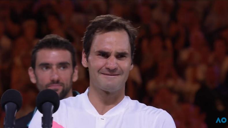 L'émotion de Roger Federer après son 20e Grand Chelem à l'Open d'Australie 2018.
