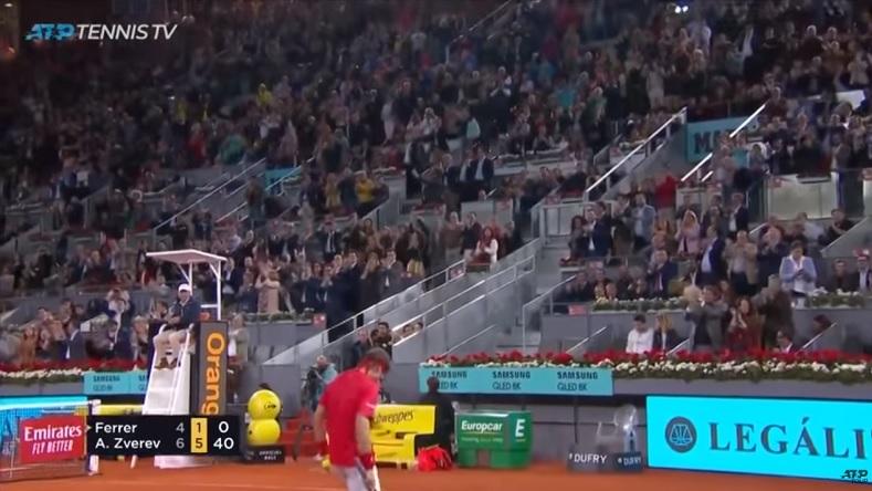 """""""Ferru, Ferru !"""" La belle ovation reçue par David Ferrer avant le dernier point de sa carrière à Madrid."""