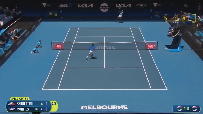 Le plus beau point du match entre Berrettini et Monfils à l'ATP Cup 2021.