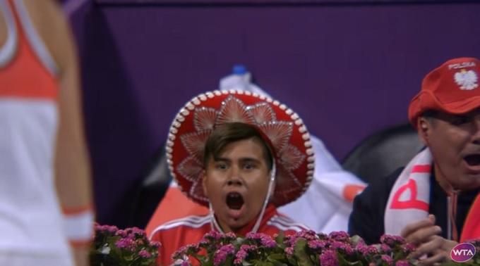 Félicitations petit, tu es sur Tennis Legend grâce à la reine des hot shots, Agnieszka Radwasnka.