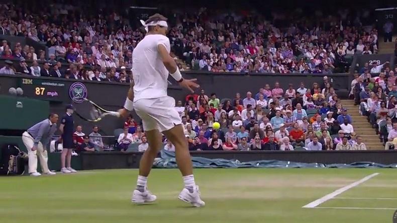 Un décalage coup droit exceptionnel de Rafael Nadal au troisième tour de Wimbledon 2014.