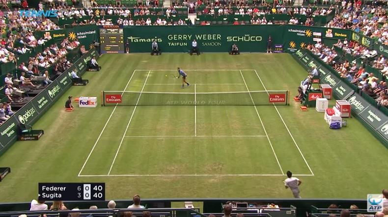 Quel point de Federer contre Sugita ! (Halle 2017)