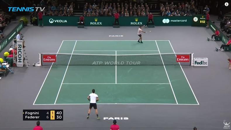 Roger Federer a gagné quelques points magnifiques pour son retour dans la capitale, au Masters 1000 de Paris 2018.