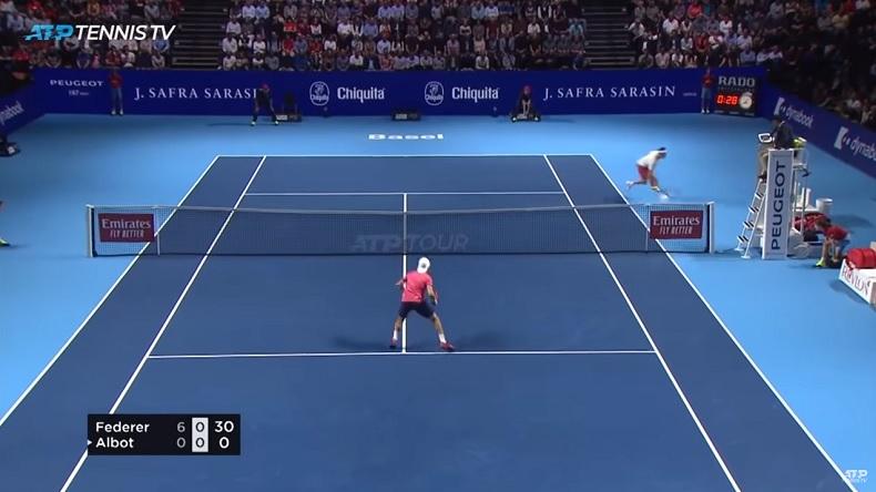 Un point fabuleux de Roger Federer contre Radu Albot au tournoi de Bâle 2019.