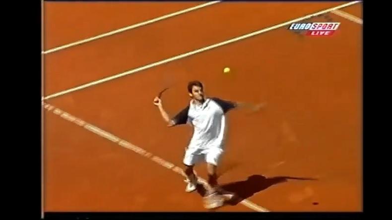 Le premier point de légende de Roger Federer en Grand Chelem.