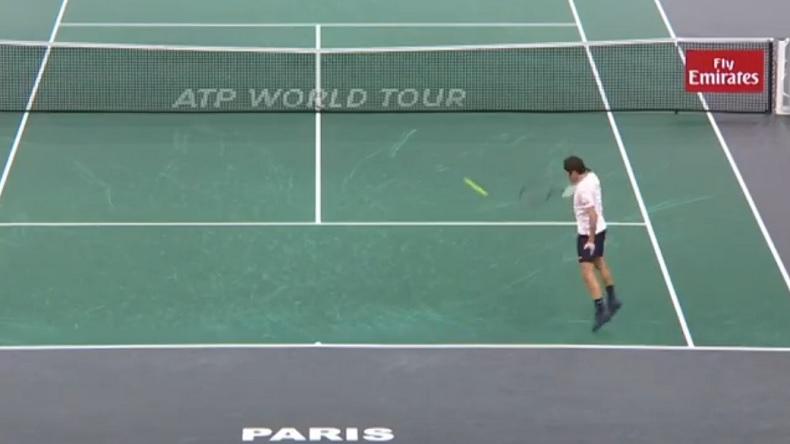 Un retour gagnant monstrueux de Roger Federer au Rolex Paris Masters 2018.